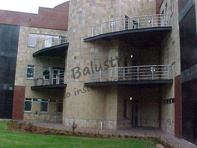 smokers-balcony-balustrade1